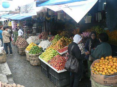 pasar buah  berastagi wisata sumatra