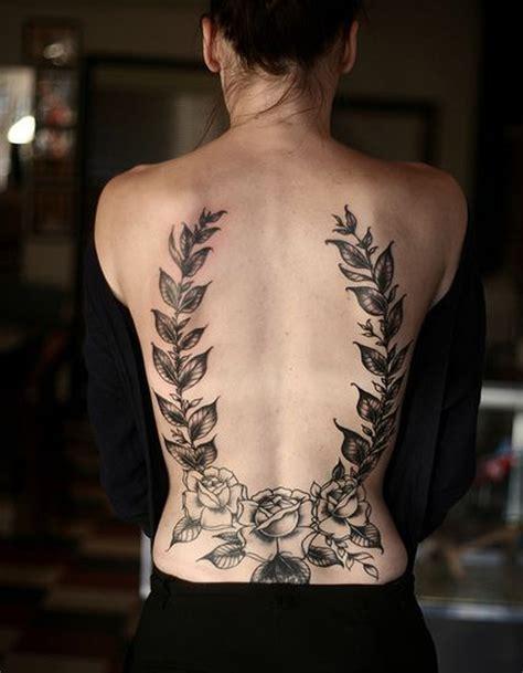 tatouage de id 233 e tatouage du laurier dans le dos les 40 plus beaux tatouages de