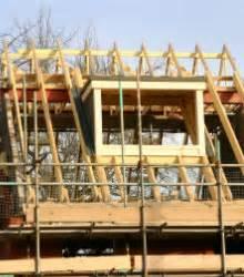Neues Dach Mit Dämmung Kosten : neues dach kosten m glichkeiten tipps zum geld einsparen ~ Markanthonyermac.com Haus und Dekorationen