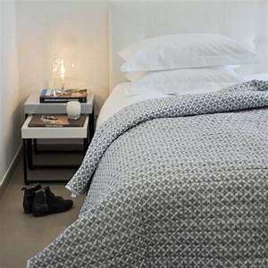 Dessus De Lit Blanc : dessus de lit etoiles en coton gris et blanc ~ Teatrodelosmanantiales.com Idées de Décoration