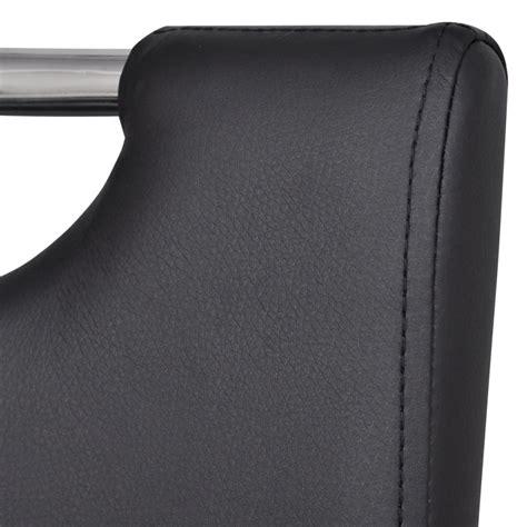 chaise en cuir noir acheter chaise en simili cuir cantilever avec pieds en