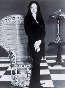 Carolyn Jones - Morticia   Carolyn Jones, Morticia Addams ...