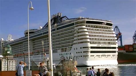 la nave msc splendida partenza dal porto  genova