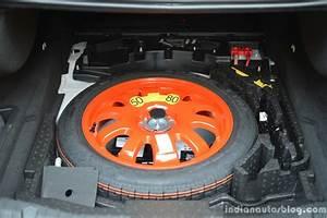 Jaguar Xf Pure : new jaguar xf 2 0 diesel pure spare volume review ~ Medecine-chirurgie-esthetiques.com Avis de Voitures