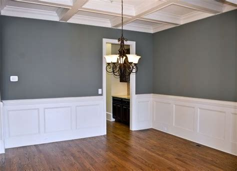 How To Install Wainscoting In Dining Room by Best 25 Wainscoting Dining Rooms Ideas On
