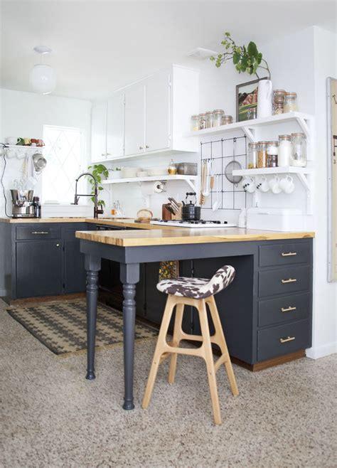 Small Kitchen Ideas  Photos  Popsugar Home. Old Kitchen Cabinets Craigslist. Kitchen Table Redo. Kitchen Paint Ideas For Dark Cabinets. White Vs Brown Kitchen