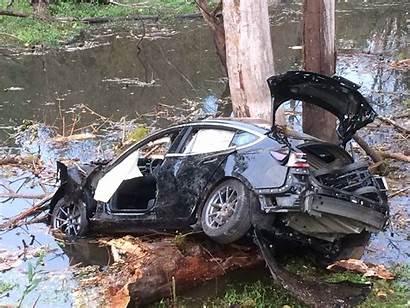 Tesla Crashes Into Crash Pond Canby Goes