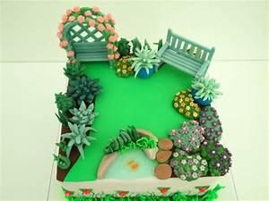 Garden Cake - cake by Laras Theme Cakes - CakesDecor