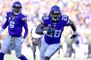 NFL: The 5 Best Running Backs in the League Today