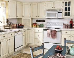 small kitchen paint color ideas 20 best small kitchen decorating ideas on a budget 2016