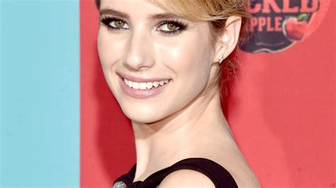 Emma Roberts Switches Up Her Makeup to Suit Her Hair Color ...