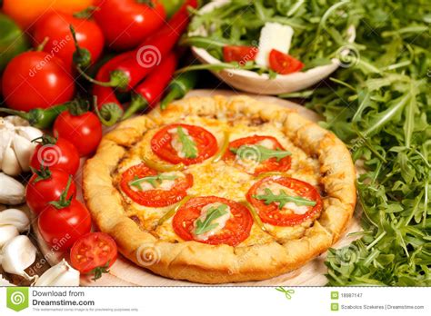 cuisine traditionnelle italienne pizza italienne traditionnelle photographie stock libre de