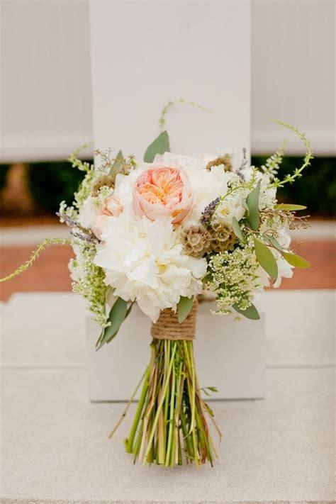 create  rustic bridal bouquet