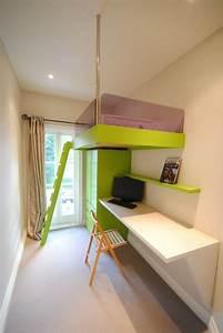 Kleines Kinderzimmer Ideen : kleines kinderzimmer einrichten platzsparendes hochbett schreibtisch mit klappstuhl ~ Orissabook.com Haus und Dekorationen