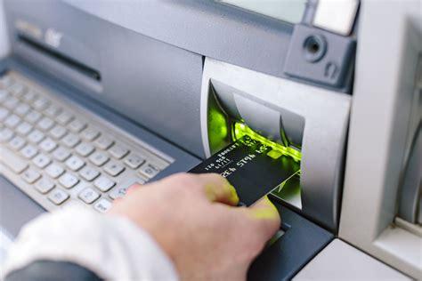 credit debit card skimmer scams work