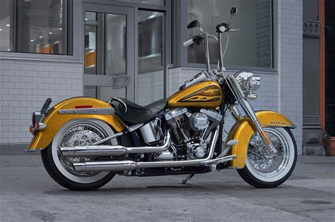 2017 Harley-davidson® Softail® Deluxe