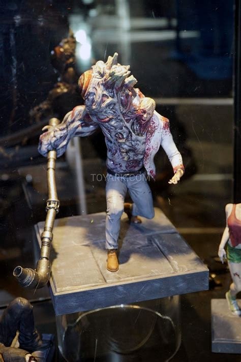 evil resident toy labs minted fair statues toyark previews upcoming toys disgusting bloody