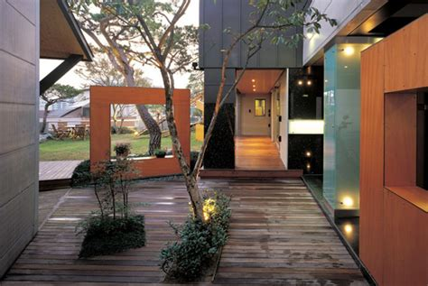 courtyard house designs urban home  natural oasis