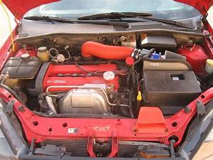 2004 Ford Focus Engine Compartment Photo