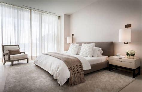 chambre taupe et blanche chambre taupe pour un décor romantique et élégant