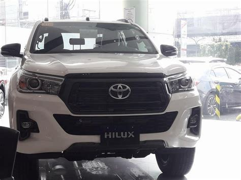 toyota hilux  facelift spotted   philippines