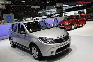 Voiture Dacia Neuve : france monde la dacia sandero devient la voiture la plus vendue en france ~ Medecine-chirurgie-esthetiques.com Avis de Voitures
