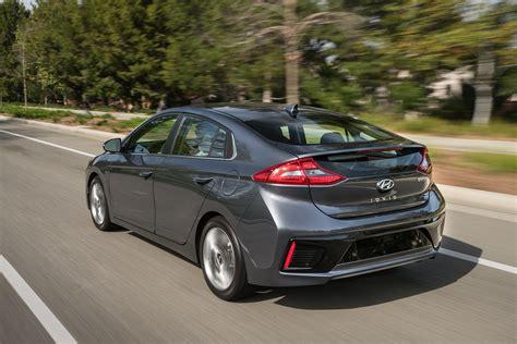 2017 Hyundai Ioniq Hybrid Limited New Car Reviews