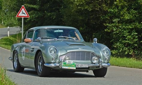 aston martin classic flappy paddle heads now and then
