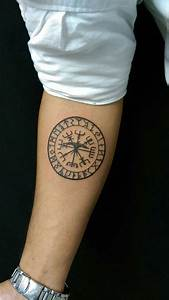 Tattoos Männer Unterarm : 1001 coole und realistische viking tattoos zum inspirieren ~ Frokenaadalensverden.com Haus und Dekorationen