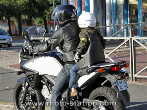siege bebe moto transporter un enfant à moto ou scooter part 2 test du
