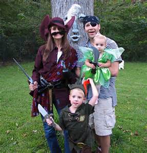 Peter Pan Family Halloween Costume Idea
