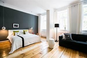 Deco Meuble Design : studio de luxe joliment d cor et meubl avec des classiques design ~ Teatrodelosmanantiales.com Idées de Décoration
