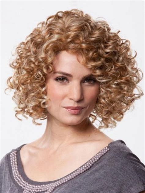 Curly Hairstyles For 40 by 30 Best Curly Bob Hairstyles With How To Style Tips 11