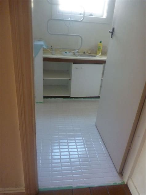 Floor Tile Paint For Bathrooms by How To Paint Ceramic Bathroom Floor Tiles This Is The