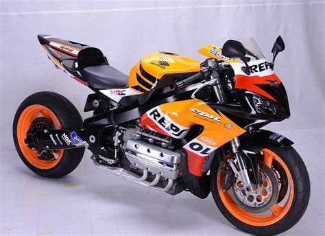 Cbr1000rr And Honda Goldwing by Honda Cbr1000rr Repsol Honda Kawin Silang Gold Wing