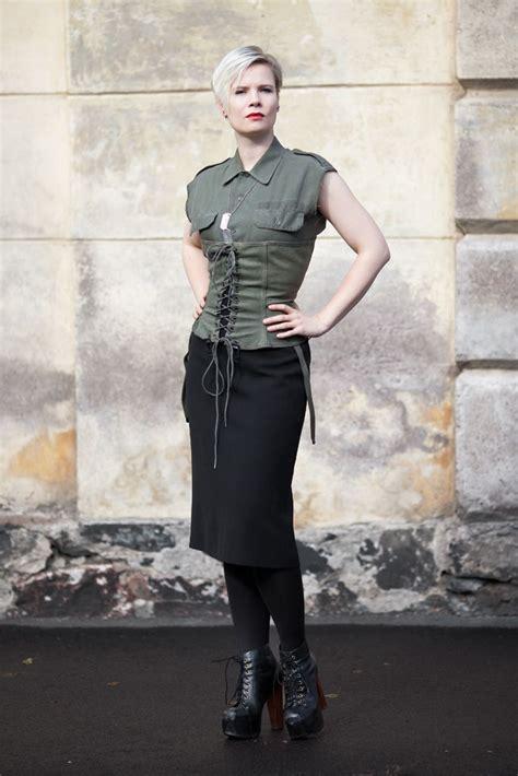 bundeswehr kostüm damen die besten 25 bundeswehr kost 252 m damen ideen auf armeefrauen weibliche