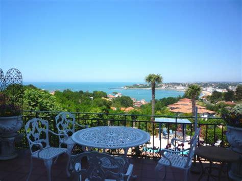 chambre d h es pays basque chambre d 39 hôtes à ciboure avec piscine et vue mer