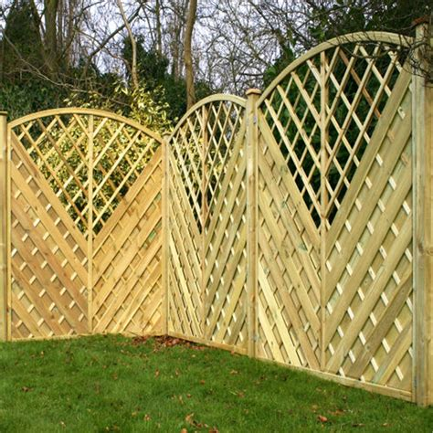 Curved Trellis Fencing by Curved Fence Panels Ideas Design Ideas