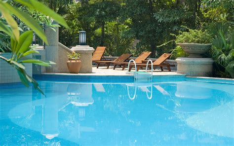 pic of swimming pool in ground residential swimming pool