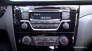 Interieur Nissan Qashqai : a l 39 int rieur du nissan qashqai 1 5 dci 110 ch youtube ~ Medecine-chirurgie-esthetiques.com Avis de Voitures