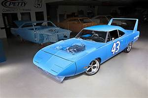 Richard Automobile : petty s 70 superbird is the ultimate mope you can win it hot rod network ~ Gottalentnigeria.com Avis de Voitures