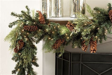 the inn at christmas place garland length how to measure for wreaths and garland how to decorate