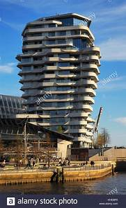 Hamburg Marco Polo Tower : marco polo tower hamburg stock photos marco polo tower hamburg stock images alamy ~ Indierocktalk.com Haus und Dekorationen