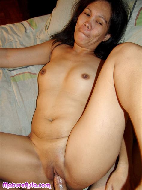 Arleen Amateur older Cock Sucking Shaved Mature Asian gives a hardcore Fucking