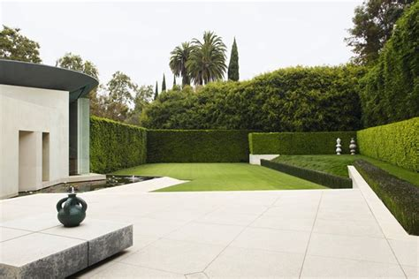 modern minimalist garden modern minimalist gardens small garden ideas houseandgarden co uk