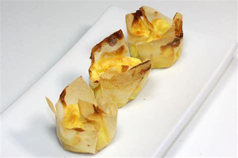 recette dessert feuille de brick mini corolles ap 233 ritifs souffl 233 es au fromage recette de mini corolles ap 233 ritifs souffl 233 es au fromage