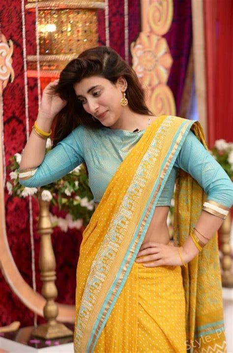 urwa hocane  stunning  saree stylepk