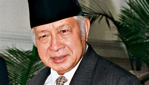 ternyata bung karno bukan presiden terbaik indonesia ini