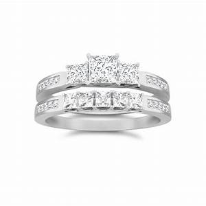 Luscious three stone diamond wedding ring set 1 carat for Three stone wedding ring set