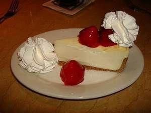 Fresh Strawberry Cheesecake - Picture of The Cheesecake ...